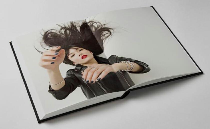 写真家ライアン・マッギンレーの責任編集、カルティエのためのアートブックが刊行
