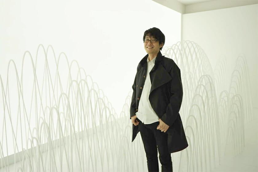 展示会場での佐藤オオキさん