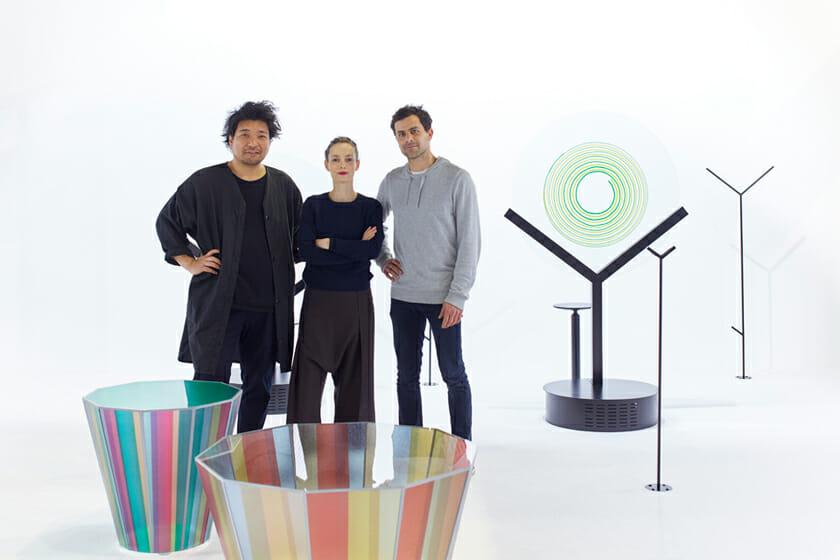 (写真左から)倉本仁さん、Raw-EdgesのYael MerとShay Alkalay。ガラスに「触れる」という行為に着目し、来場者を新しいガラス体験に導くオブジェを5つ作り出した