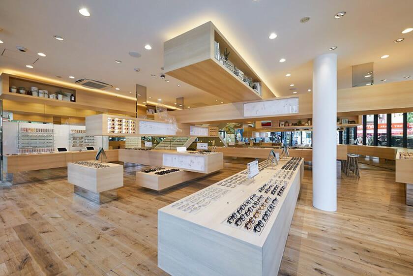 藤本壮介が設計を担当、情報発信型の旗艦店「JINS 渋谷店」が5月26日オープン