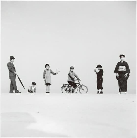 植田正治《パパとママとコドモたち》1949年 富士フイルム株式会社蔵