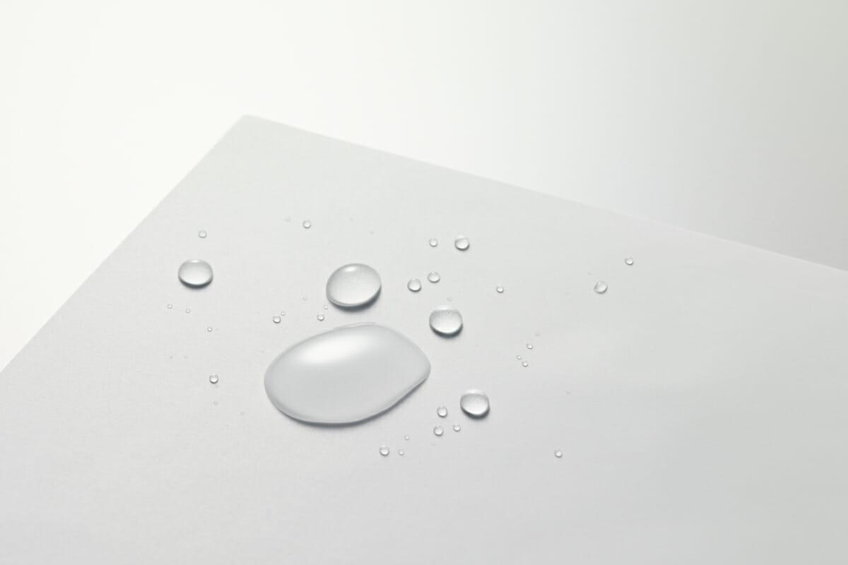 撥水の性質を持つ、LIMEXの紙代替品