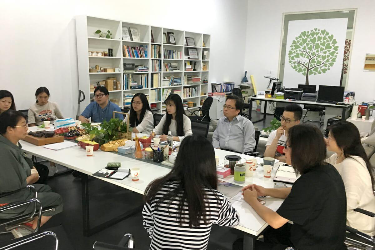 蘇州市の担当者や関連するメンバー達と、デザインセンター設立構想を議論した