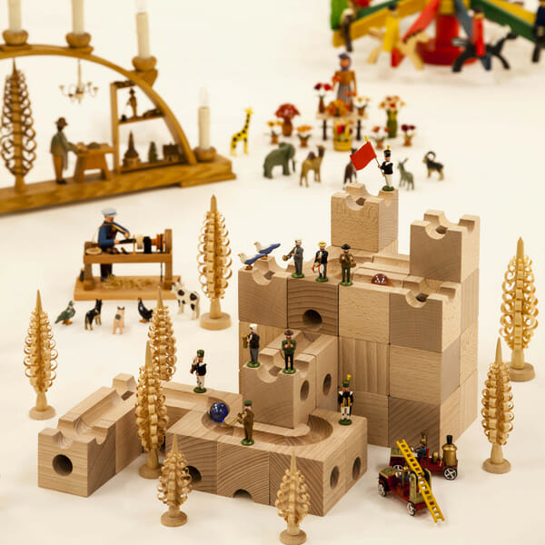 ヨーロッパの木の玩具(おもちゃ)-ドイツ・スイス、北欧を中心に