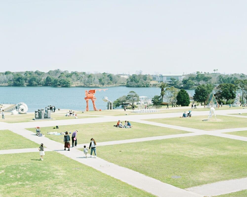 半世紀以上にわたって市民に愛され、日本の彫刻界をリードする「UBEビエンナーレ」