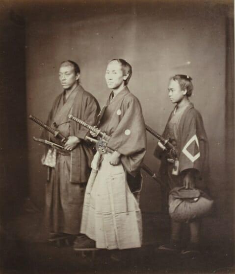 フェリーチェ・ベアト 《役人と従者》 鶏卵紙 DIC川村記念美術館
