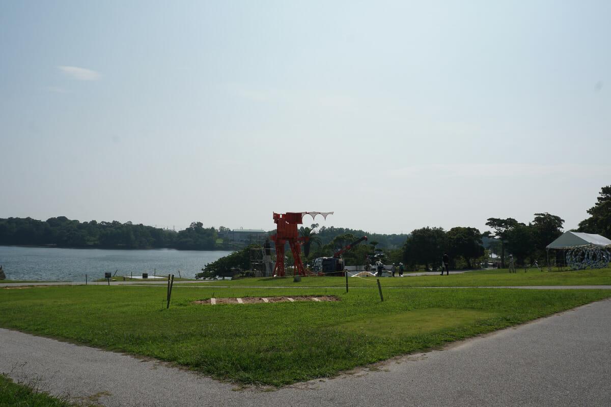 宇部をテーマとして制作された向井良吉による「蟻の城」。出品当初(1962年)から変わらず展覧会場の中心に位置し、現在でも市民にもっとも親しまれている