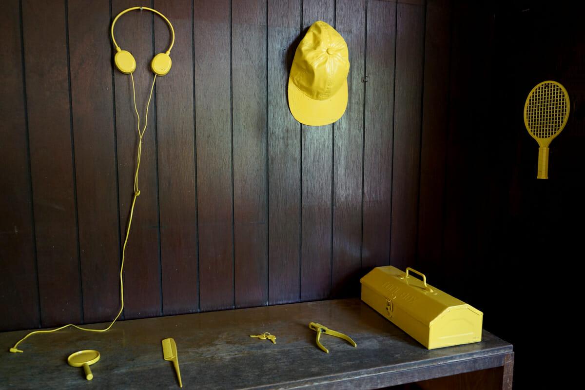 小さい忘れもの美術館(河口龍夫)。実際に型として使われたものも、一緒に展示されています