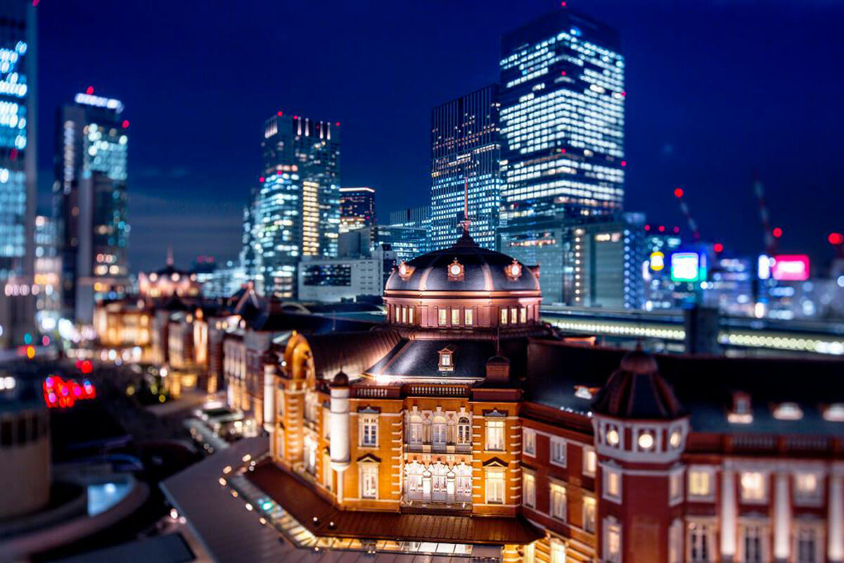 国の重要文化財である東京駅丸の内駅舎の中、地下2階から地上3階(一部4階)に位置する「東京ステーションホテル」