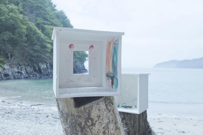 青木陵子+伊藤存 浜と手と脳, 2017 撮影:後藤秀二