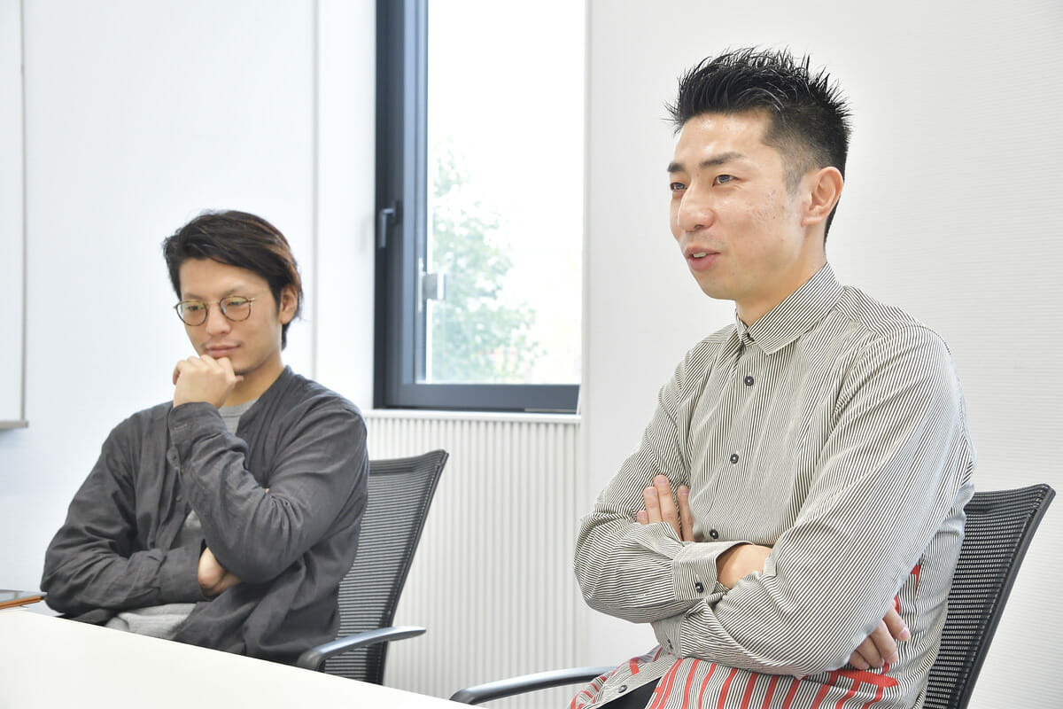 小川暢人と髙平洋平のインタビュー画像