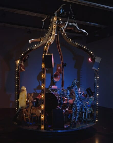《The Carnie》2010 Photo: Larry Lamay Courtesy of the artists, Gallery Koyanagi, Tokyo and Luhring Augustine, New York