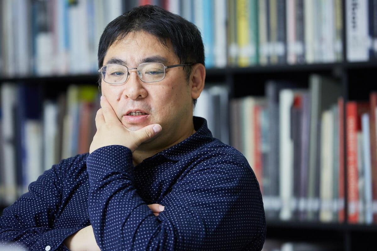 三宅陽一郎 ゲームAI開発者。2004年よりデジタルゲームにおける人工知能の開発・研究に従事。IGDA日本ゲームAI専門部会設立(チェア)、DiGRA JAPAN 理事、芸術科学会理事、人工知能学会編集委員。著作「なぜ人工知能は人と会話できるのか」「人工知能のための哲学塾」。