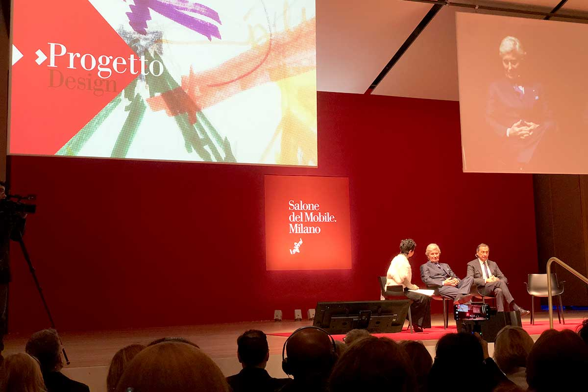 ミラノのボッコーニ大学で開催されたミラノサローネ2018記者発表会にて「マニフェスト」を発表するルーティ社長