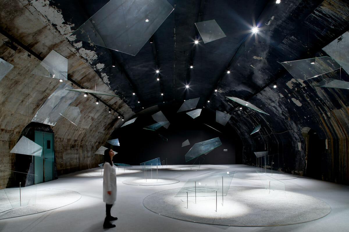 AGC旭硝子の新技術と、気鋭建築家の感性がミラノで融合。「音を生む」ガラスが提示した未来とは?