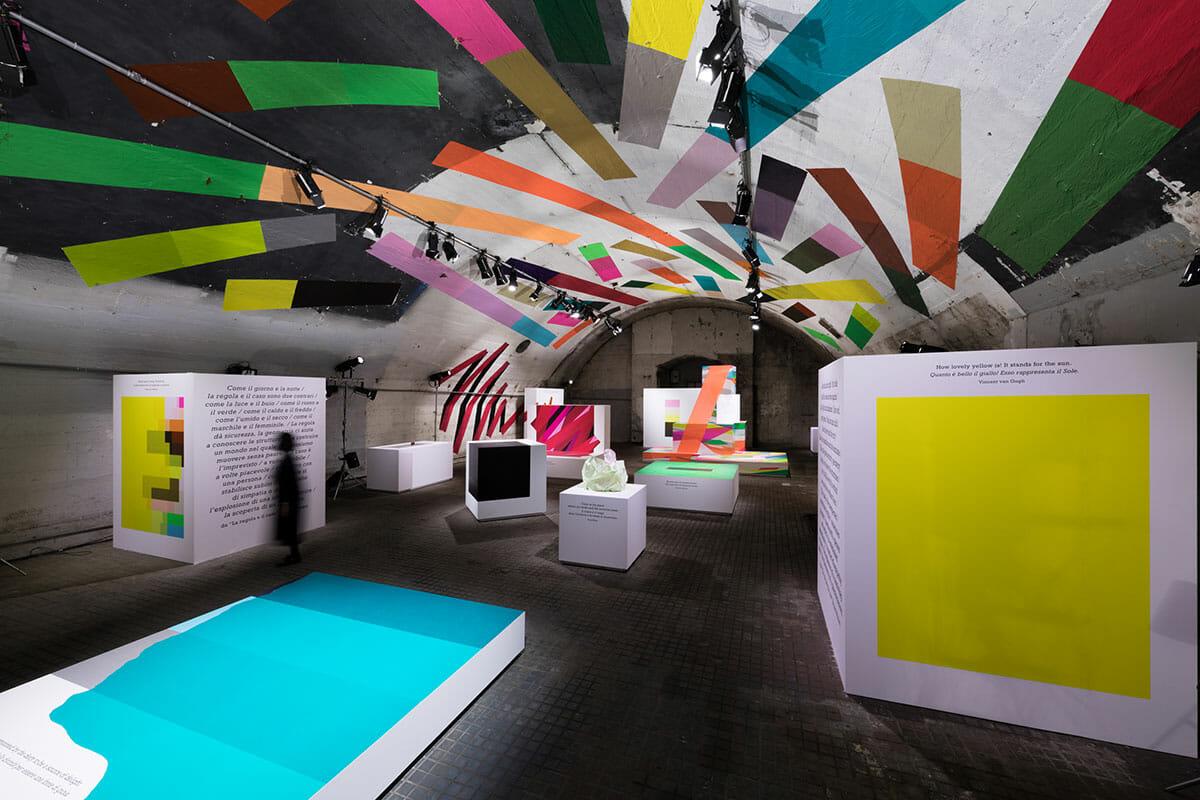 """""""貼る""""という行為から""""色""""の楽しさを発見する「HARU stuck-on design;」-ミラノデザインウィーク2018"""