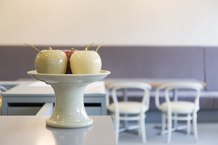 鹿児島という土地で生まれたうつわの魅力を伝える、「チンジュカンポタリー喫茶室」が黎明館にオープン