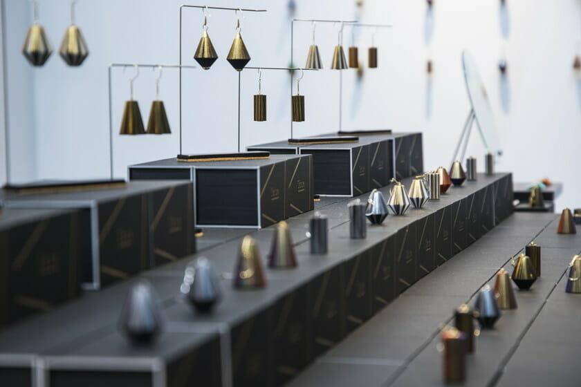 インテリア ライフスタイルでのジュエリーブランド「ikue」の展示風景の画像