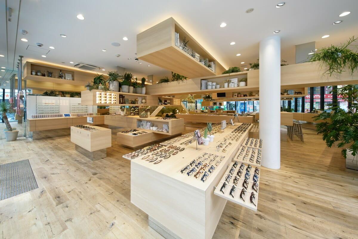 JINS 渋谷店。建築家・藤本壮介さんが設計を担当