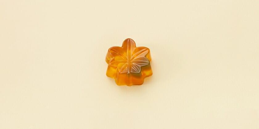 とらや季節の生菓子・琥珀製「下染」