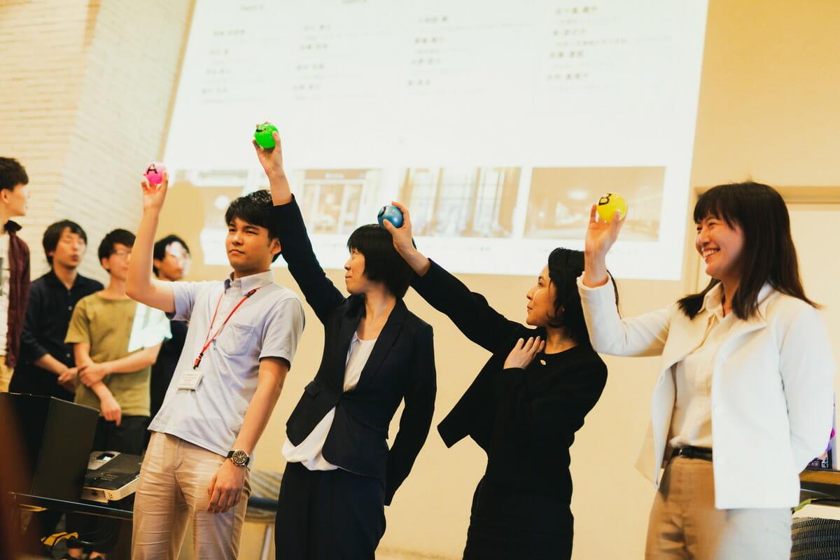 「nihonbashi β」ローンチイベント クリエイター4チームと店舗の組み合わせがくじ引きで決められた
