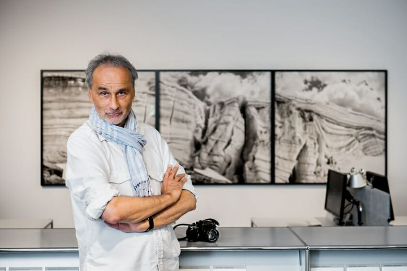 スイスの写真家、ダニエル・シュワルツの日本初個展、縮小していく氷河が伝える地球の現状