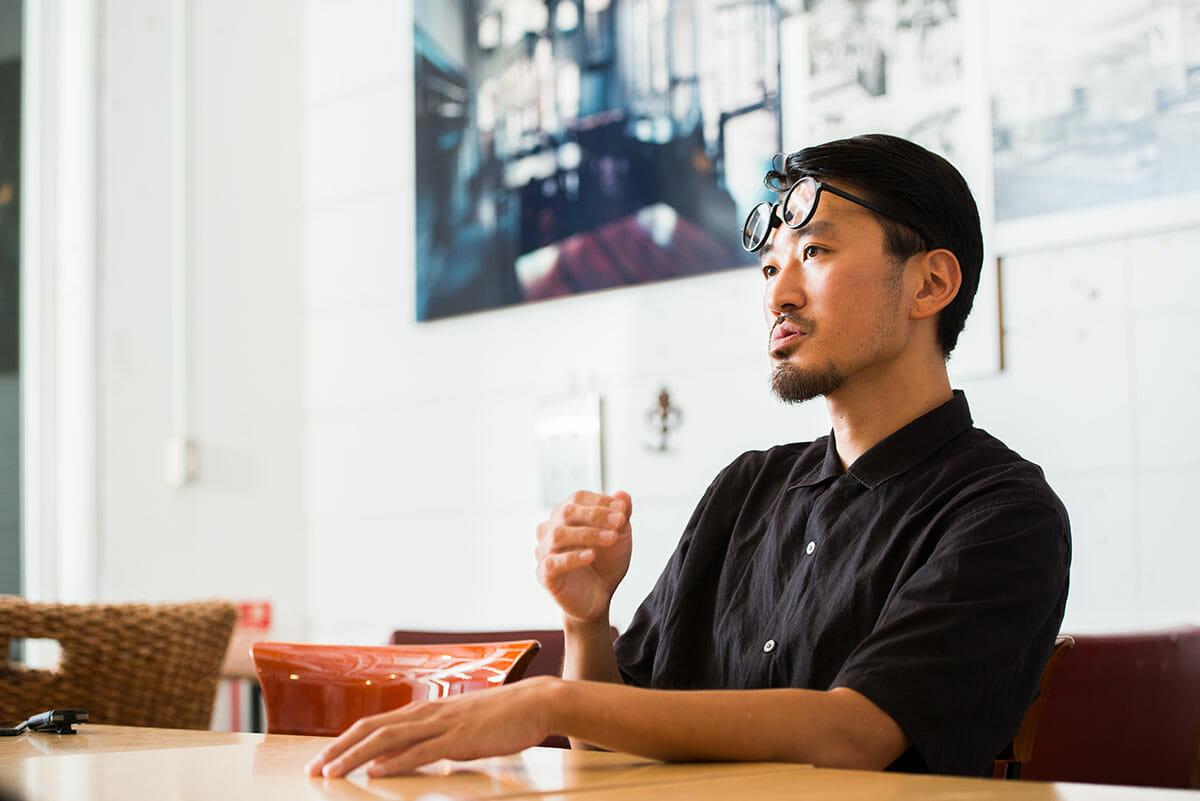 木村麻人 1982年鎌倉市生まれ。2006年芝浦工業大学建築学科卒業後、2012年ICSカレッジオブアーツ インテリアアーキテクチュア&デザイン科Ⅱ部(夜間部)卒業、TIME & STYLEを経て、2017年にA (design studio) 設立