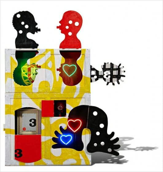 「Favela Brasil Series」/箱にミクストメディア・ネオンライト/2010