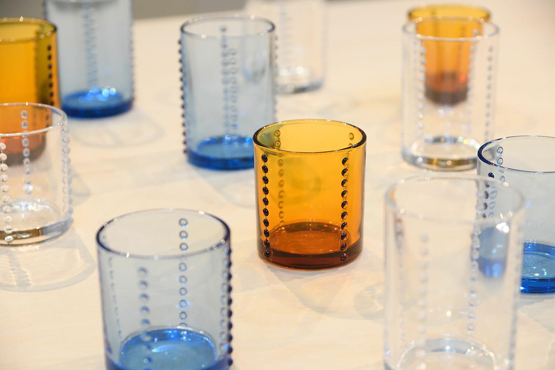 柳宗理が1966年にデザインしたグラスを復刻した「Yグラス」。製造は1899年に墨田区で開業した、廣田硝子株式会社がおこなっています