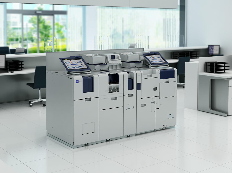 神澤さんが2014年にGUIを手がけた、金融機関向けオープン出納システム 「WAVE-Pro」。金融機関の営業店において、出納担当者を介して行っていた入出金などの現金処理を、窓口担当者や営業担当者が各自で完結することを可能にしたシステム。