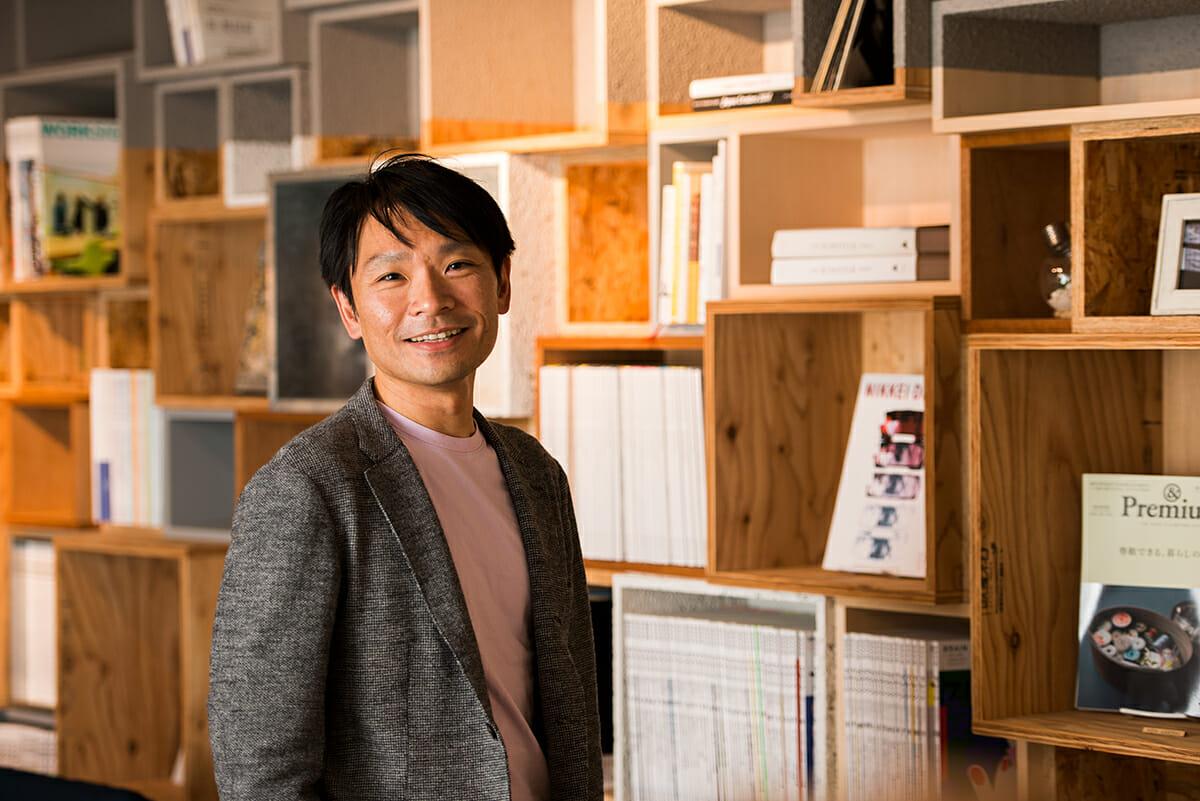 【「場」をつくるクリエイターの思考】企業やサービスの魅力をデザインで紡ぐ、「デザインとビジネスの媒介者」として目指すことー佐野彰彦(それからデザイン代表)
