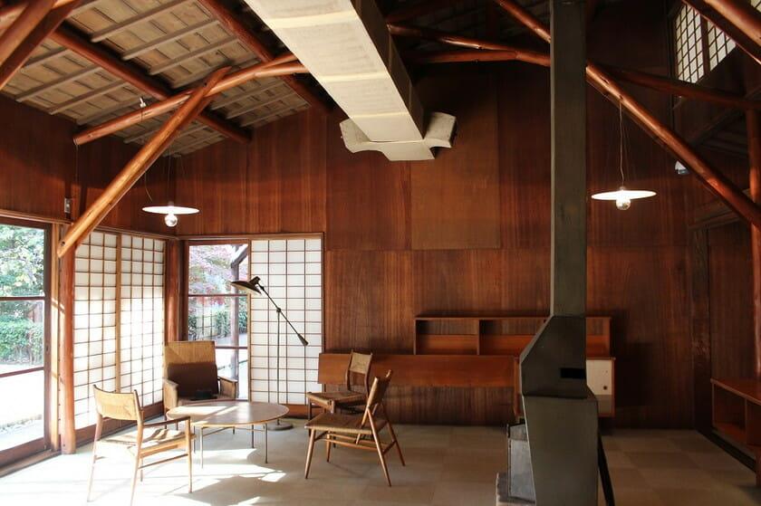 アントニン&ノエミ・レーモンド 旧井上房一郎邸・居間(高崎市美術館内)