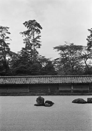 岡本太郎撮影 《龍安寺 石庭》京都 1954年12 月20 日