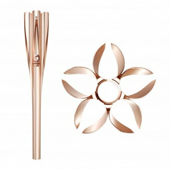 吉岡徳仁デザインによる、桜をモチーフとした『東京 2020 オリンピック聖火リレートーチ』発表