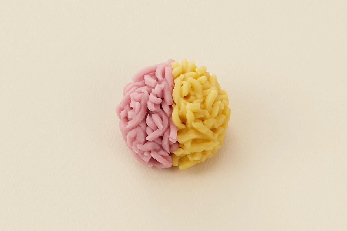 とらや季節の生菓子・きんとん製「多胡の浦」