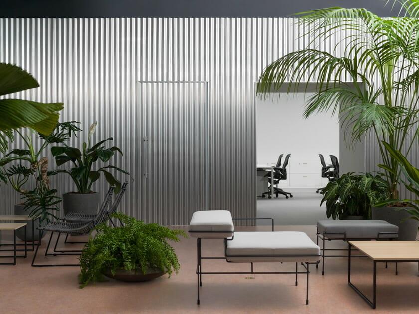 「中庭のあるオフィス」の中庭からの画像