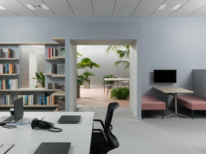 「中庭のあるオフィス 」部屋からの風景画像