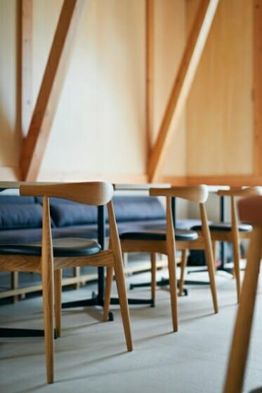 カフェ、住宅の椅子:greeniche 代官山店