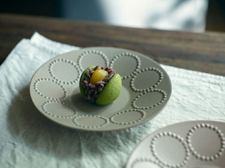 ミナ ペルホネンが「とらや」の生菓子をデザイン。10月に期間限定販売