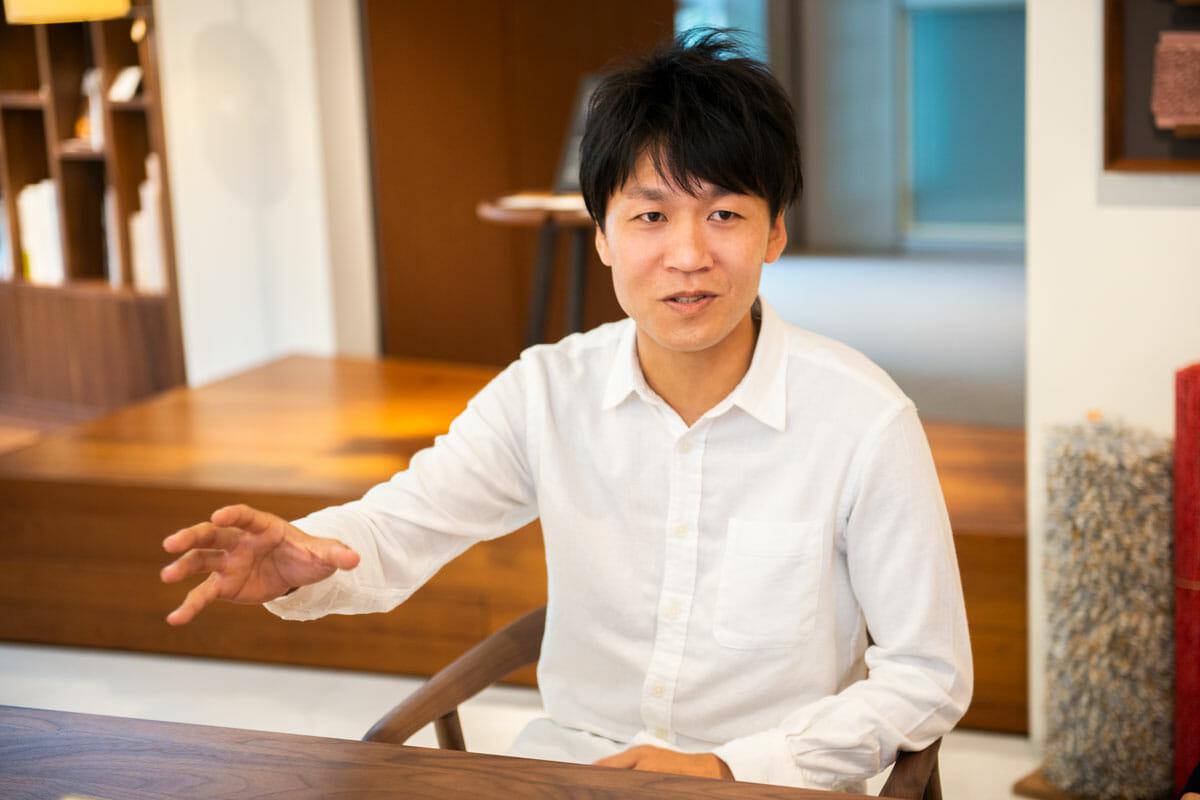 飛驒産業 デザイン室 課長 坂井雄大さん