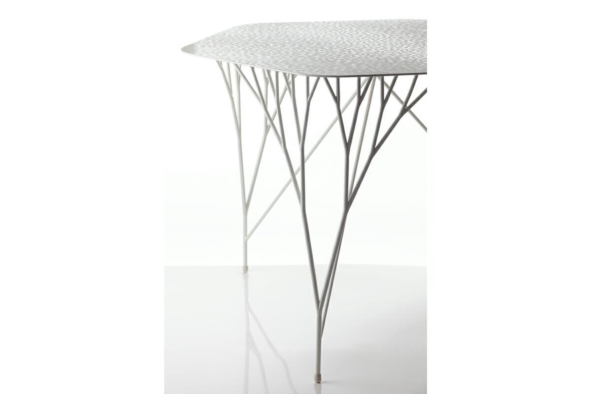 太刀川さんが大学院時代に制作したテーブル