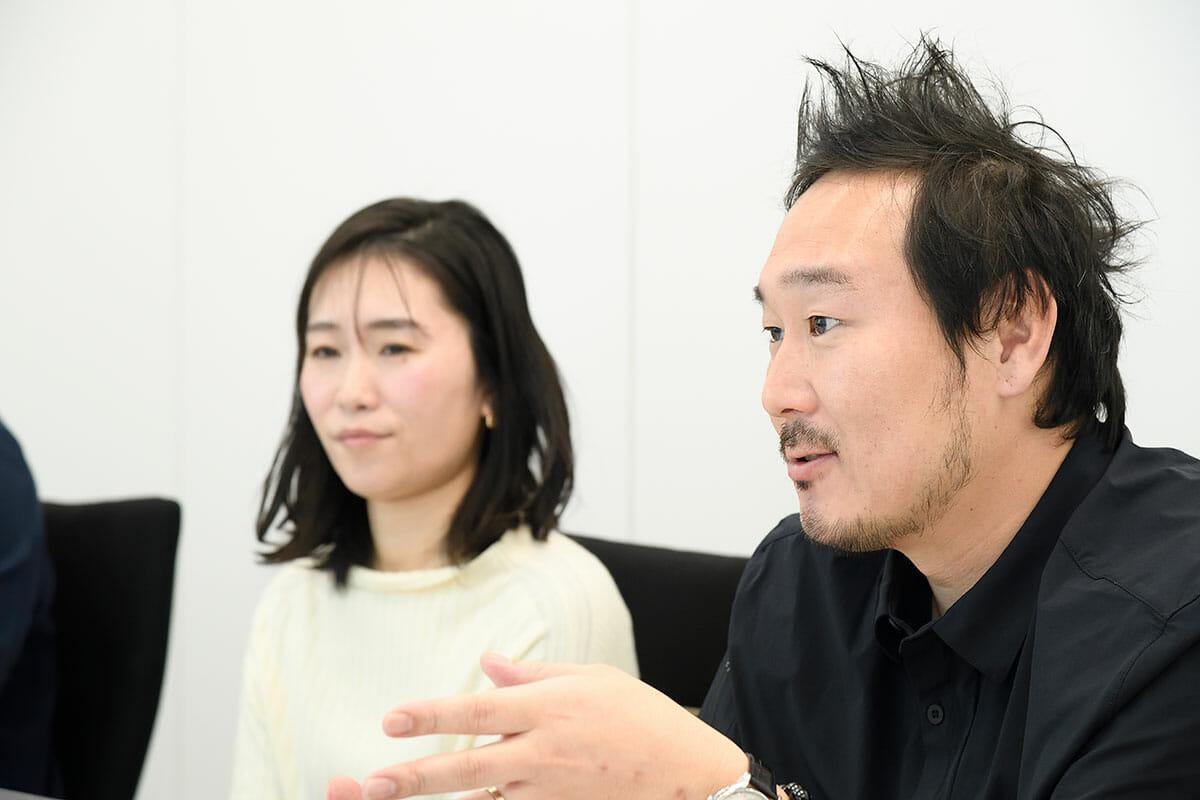 (右)田中利岳さん(左)秋山奈美さん