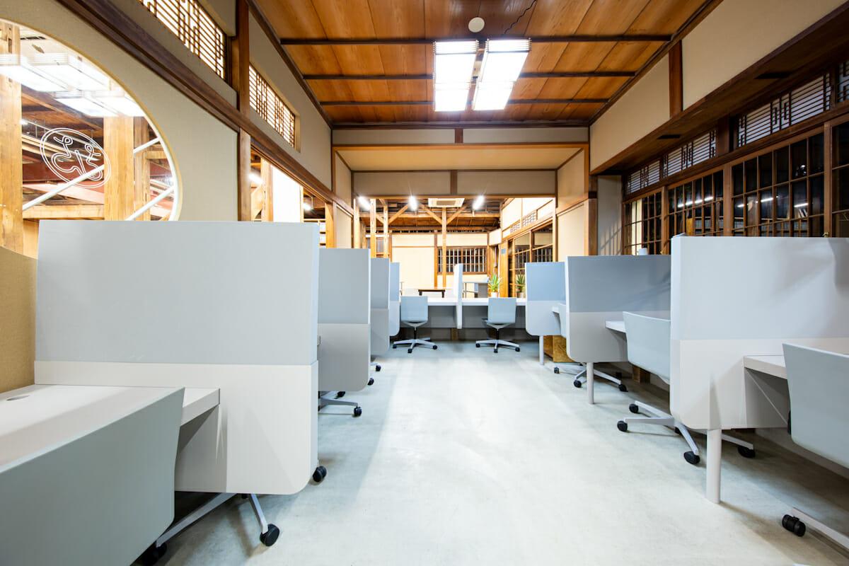 1階の個人作業スペース