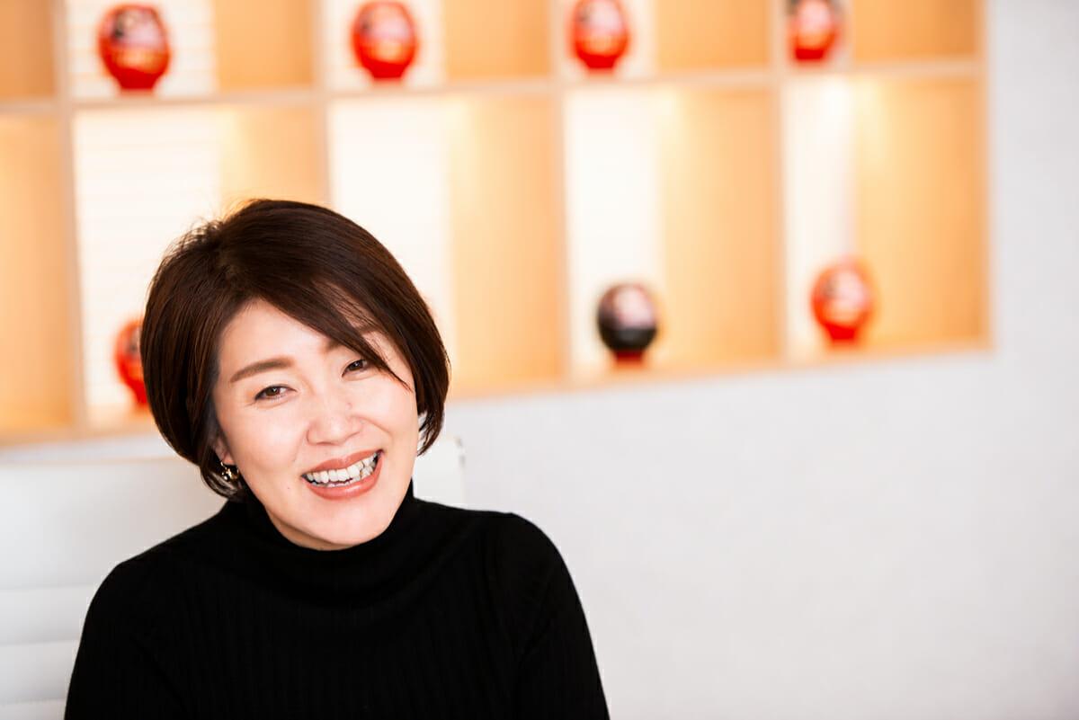 <strong>原田愛</strong> フォントワークス株式会社 代表取締役社長CEO<br /> NECネッツエスアイ、日本オラクルを経て、2013年SBテクノロジー入社。15年同社福岡営業部長、16年に同社西日本支社長としてマネジメントに従事。17年4月フォントワークスでSBテクノロジーグループの女性社員としては初めてとなる、代表取締役社長CEOに就任。
