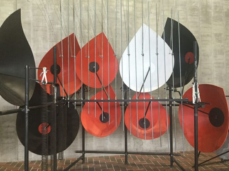 音と造形のレゾナンス-バシェ音響彫刻と岡本太郎の共振