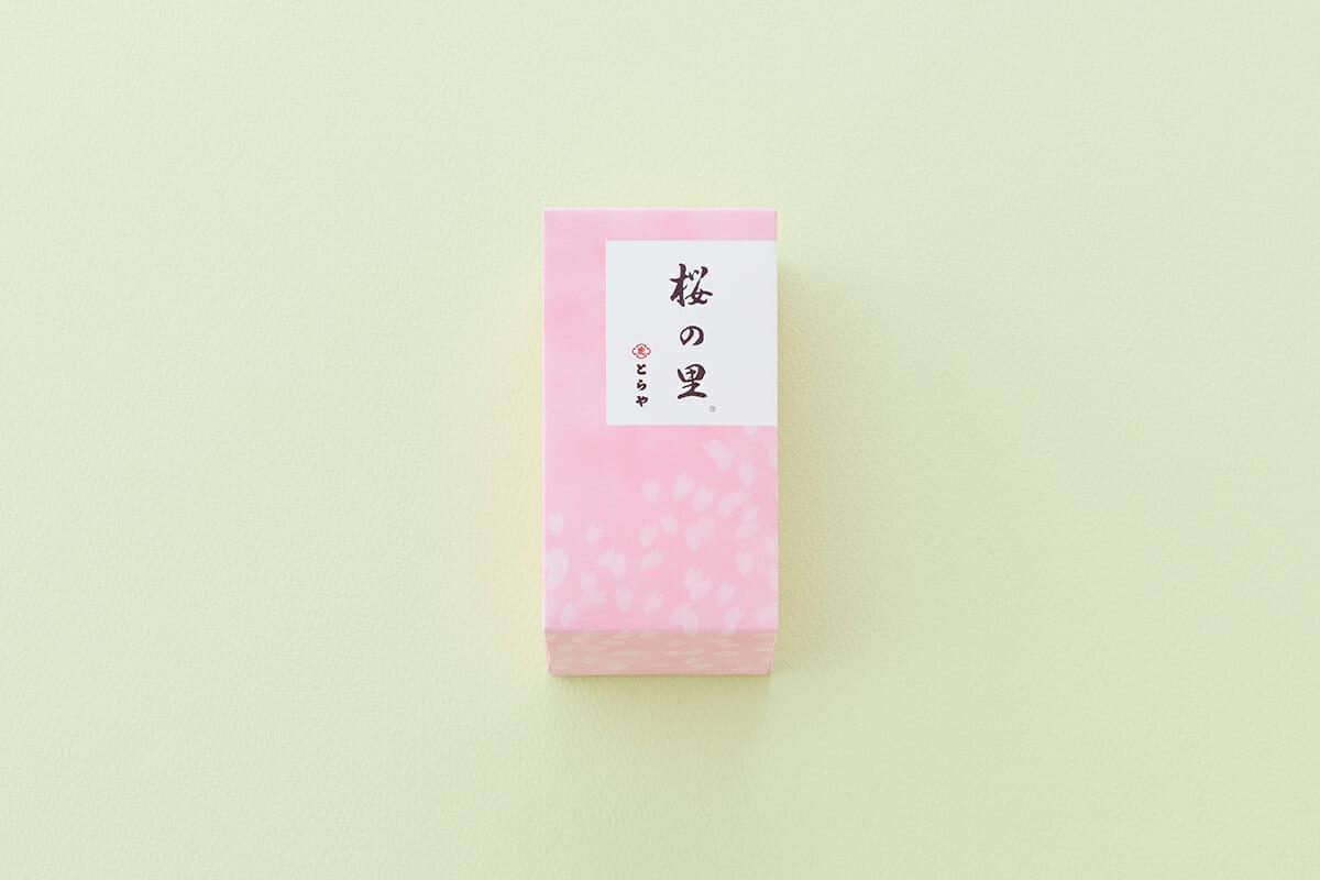 季節の羊羹「桜の里」パッケージ