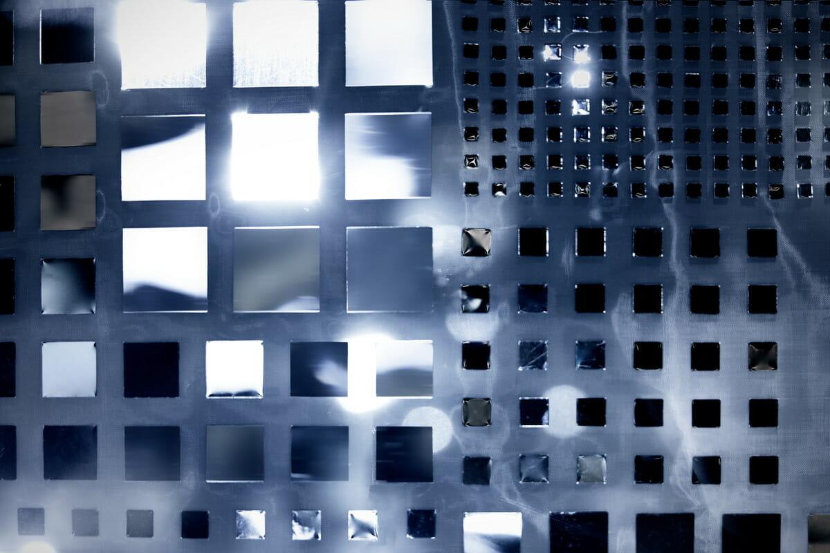 「ザ・ギンザ コスメティックス 銀座」の2020年ウィンドウディスプレイの画像