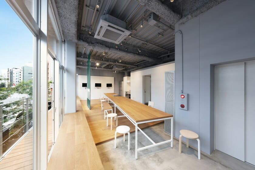 CRISP SALAD WORKS 麻布鳥居坂店 2Fオープンスペースの画像