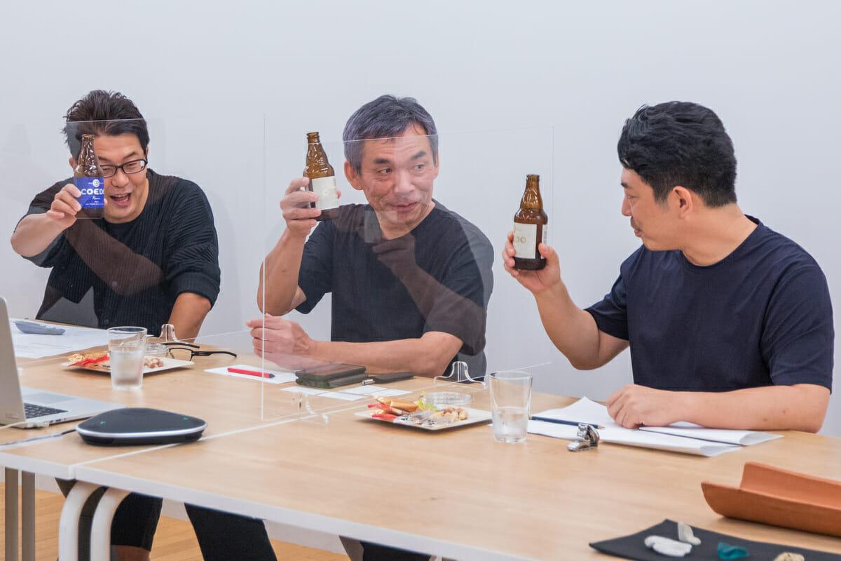 恒例のCOEDOビールでの乾杯から、トークセッションがスタート!