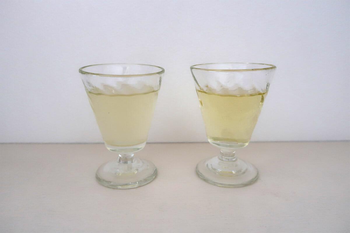 (左)煎茶チャイ(右)阿波